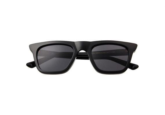 Unisex Akjaerbede Fine zonnebril kleur zwart met grijze glazen AKsunnies bril