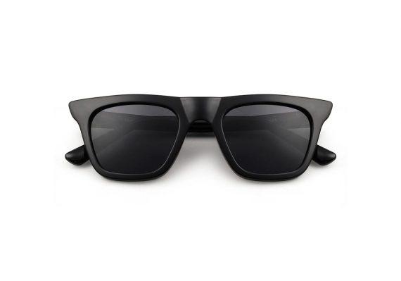Unisex Akjaerbede Fine zonnebril kleur zwart met grijze AKsunnies bril
