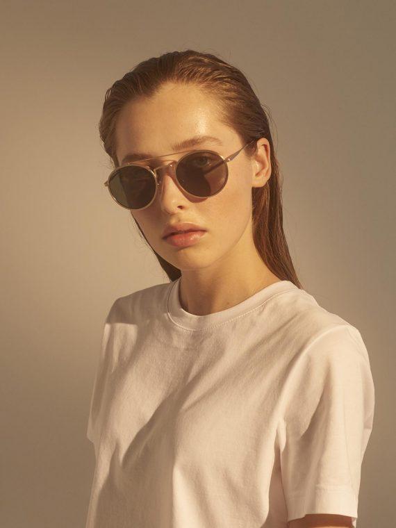 A.Kjaerbede zonnebril model PILOT kleur goud met groene glazen AKsunnies bril